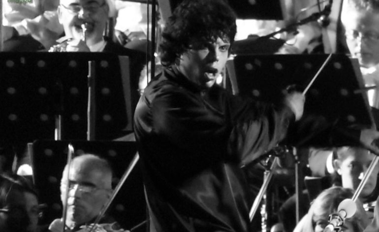 Il Maestro Andrea Battistoni onora dismappa con la sua testimonianza per l'accessibilità dopo aver splendidamente diretto Carmina Burana all'Arena di Verona