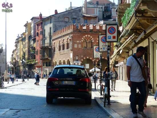 20140913 Parcheggio disabili Piazza Erbe Verona