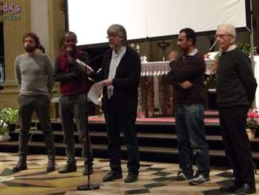 """ALDA MERINI E LAMPEDUSA Ascmat -Nomi: Lampedusa 3 Ottobre 2013 - cortometraggio di Dagmawi Yimer L'occasione è l'anniversario della morte di Alda Merini ( 1 Novembre 2009), legata anche a San Nicolò da una lunga amicizia. Quest'anno la memoria è dedicata a Lampedusa. Il cuore dell'evento sarà infatti la proiezione in prima assoluta del cortometraggio di Dagmawi Yimer """"Ascmat- Nomi : Lampedusa 3 Ottobre 2013"""". Un documento poetico e profetico di straordinaria forza e bellezza. Di grande urgenza, in un momento in cui Tg locali, ma anche una certa informazione nazionale, non perdono l'occasione per leggere gli eventi in chiave difensiva ed offensiva, garantire uno spazio per tener alta la riflessione, per risvegliare la coscienza culturale e civile sul tema dei diritti, dell'ospitalità, dell'accoglienza."""
