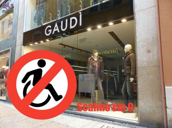 09-Gaudi-via-Mazzini-Verona-Accessibilita-disabili