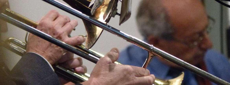 Castelvecchio – Circolo Ufficiali – Verona 9 novembre 2014 ore 17.30 Ingresso libero Le origini del jazz: c'era una volta New Orleans Telethon