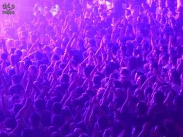 Folla di mani alzate al concerto dei Subsonica a Verona