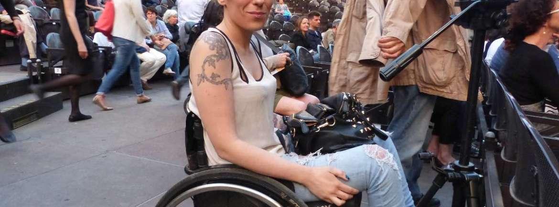 20150623 Ragazza disabile carrozzina Teatro Romano Verona 51