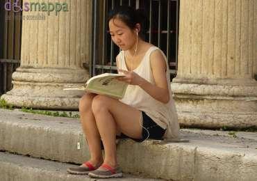 20150726 Turista legge Mozart Verona dismappa