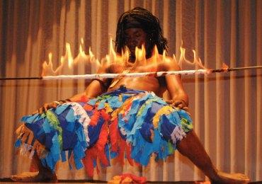 Si conclude il 19 settembre, presso il Museo africano di Verona, la lunga tournée estiva del corpo di ballo dal Mali, The African Royal Ballet guidato dal coreografo Djiby Kouyate. Da luglio in Europa, la compagnia di ballo maliana ha partecipato a svariate tappe tra le più importanti città della Germania meridionale, Svizzera e Austria, esibendosi in festival musicali ed eventi di sensibilizzazione all'Africa. A Verona, tramite l'impegno sociale dell'Associazione Cuore del Mali*, presenteranno uno spettacolo di danze tradizionali, all'aperto, presso il parco del Museo africano, luogo da sempre impegnato nella diffusione della conoscenza delle arti africane. L'evento è realizzato grazie al contributo e sostegno di La Cles*, nuova linea di moda eco solidale che realizza abiti prêt à porter e haute couture e sostiene progetti di donne in Mali.