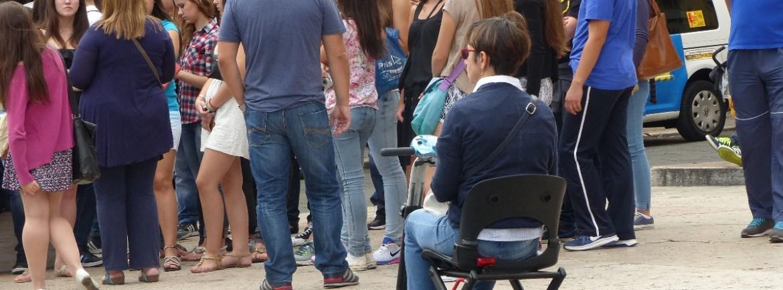 20150921 Turista sedia scooter Piazza Erbe Verona Dismappa 64