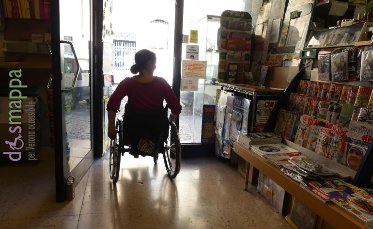 20160823 Accessibilita disabili tabacchi giornali Verona dismappa 052