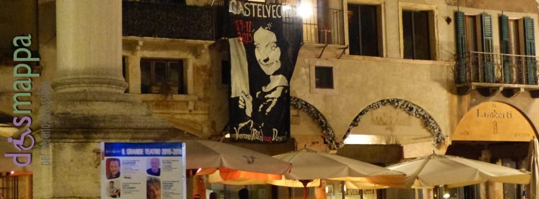Ieri sera in Piazza delle Erbe la gigantografia del «Ritratto di giovane con disegno infantile» di Giovanni Caroto, oggi la notizia degli arresti per il furto di 17 capolavori al Museo di Castelvecchio di Verona avvenuto il 19 novembre 2015.