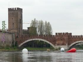 20160401 Franco Mazzucchelli sculture gonfiabili Adige Verona dismappa 328