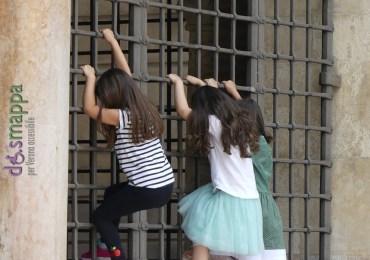 20160602 Bambine Loggia Vecchia Piazza dei Signori Verona dismappa