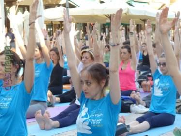 20160621 International Day Yoga Piazza Erbe Verona dismappa 1019