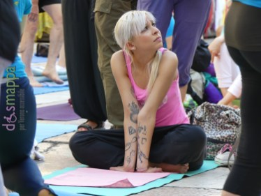 20160621 International Day Yoga Piazza Erbe Verona dismappa 959