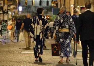 20160621 Turisti Giappone porta borsari Verona dismappa