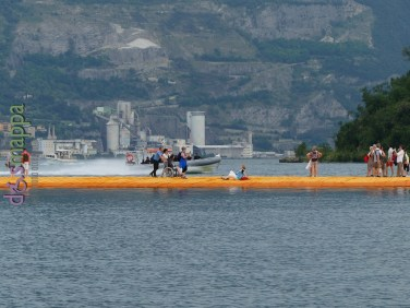 20160629 Christo Floating Piers Jeanne Claude Iseo disabili dismappa 642
