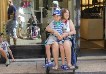 20160718 Nonna nipote sedia rotelle Verona dismappa 6