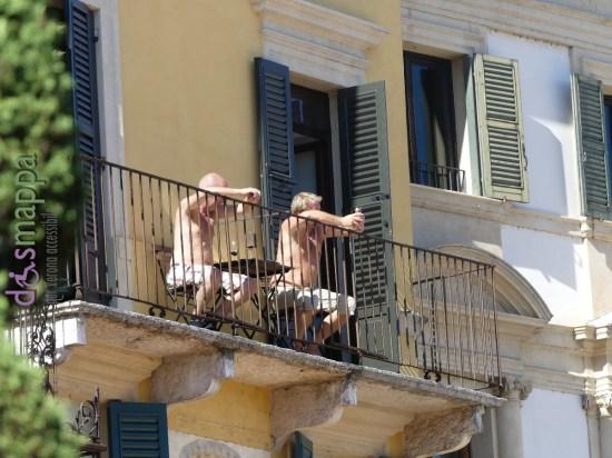 20160906-turisti-sole-piazza-bra-verona-dismappa