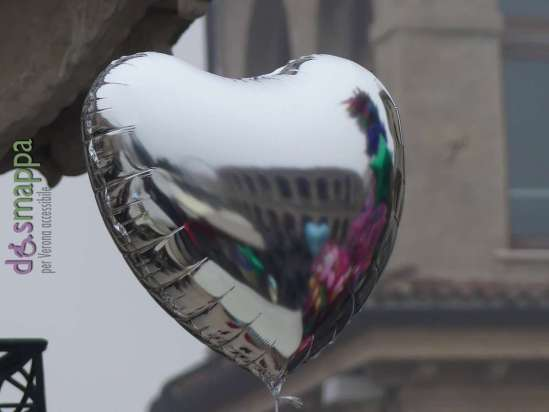 20161211-arena-di-verona-palloncini-cuore-dismappa-68