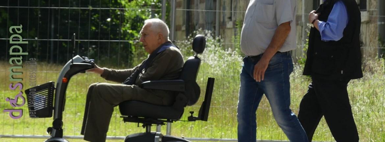 20160615 Anziano disabile carrozzina Arsenale dismappa