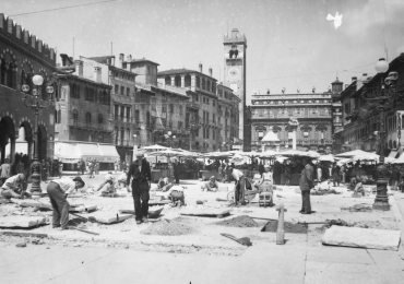 20170511-Mostra-Verona-foto-Oppi-Piazza-Erbe-04