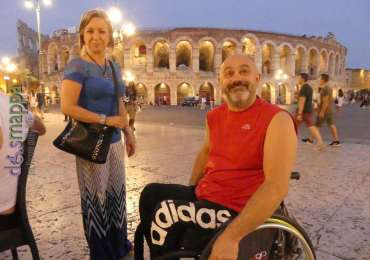20170617 Turisti carrozzina Arena Verona dismappa 1338