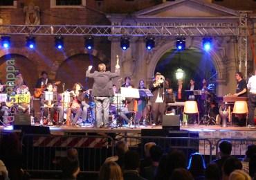 20160521 Orchestra Mosaika Piazza Dante Veroa dismappa 004