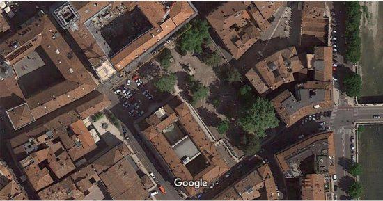 I giardini di Piazza Indipendenza a Verona dal satellite su Google Maps prima della riqualificazione
