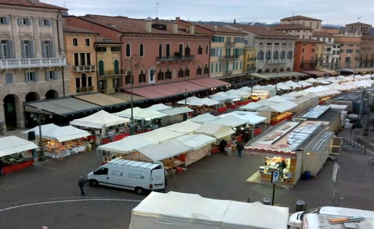20171210-Bancarelle-Santa-Lucia-Liston-Verona-webcam