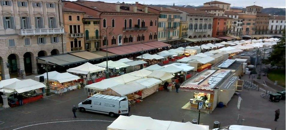 20171210-Bancarelle-Santa-Lucia-Liston-Verona-webcam