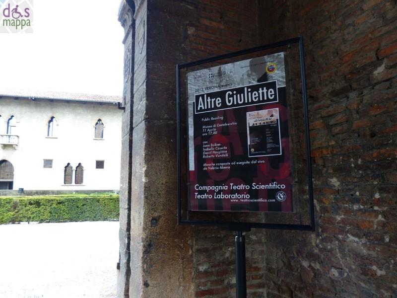 Manifesto reading Altre Giuliette