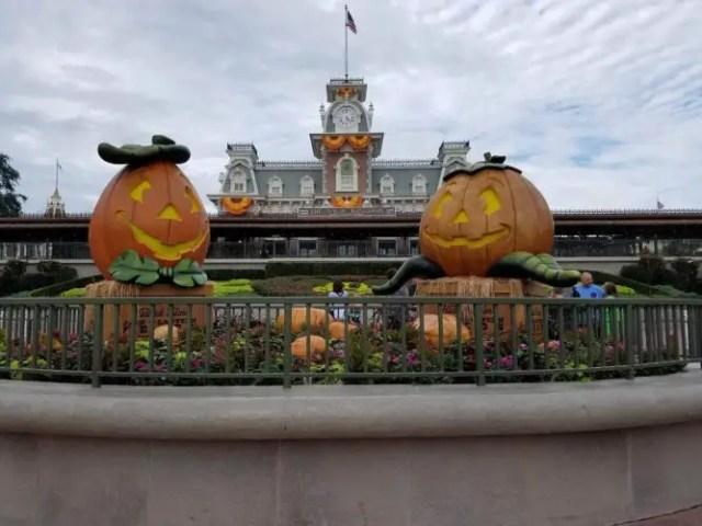 Halloween Decoratiosn