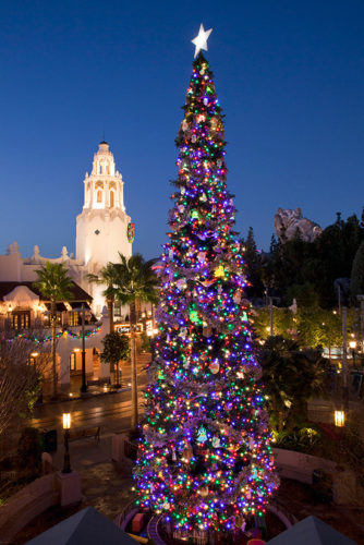 When Does Disneyland Decorate For Christmas.8 Of Our Favorite Disneyland Christmas Trees