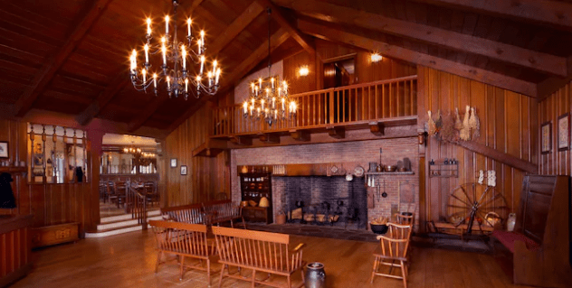 6 Things You May Not Know About Liberty Tree Tavern In Magic Kingdom! 2