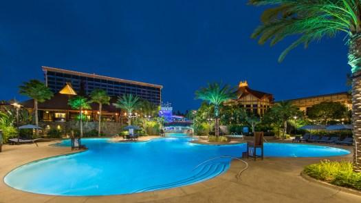 Behind the Attraction Disneyland Hotel 9