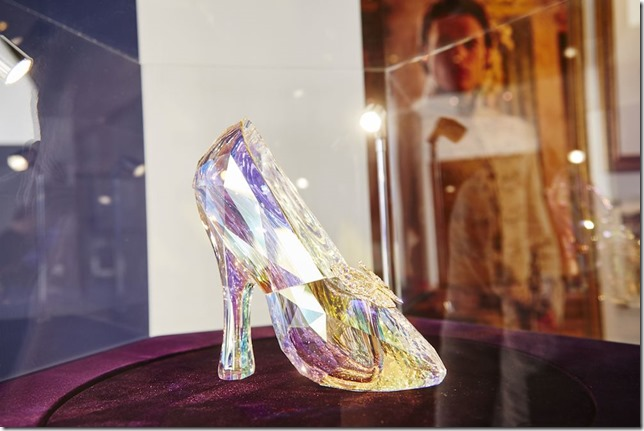 Swarovski-Glass-Slipper-2