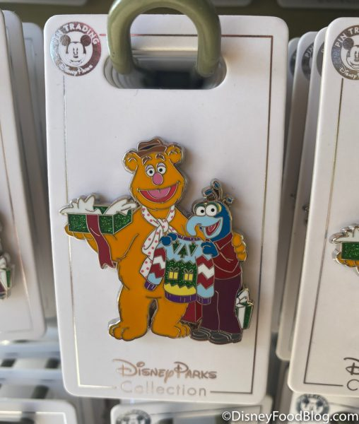Disneyland 2020 Pin Traders Christmas Pin Muppet