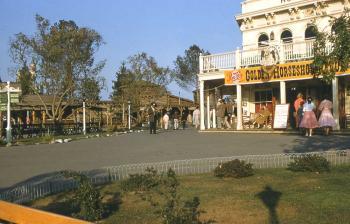 Disneyland 1955 Frontierland
