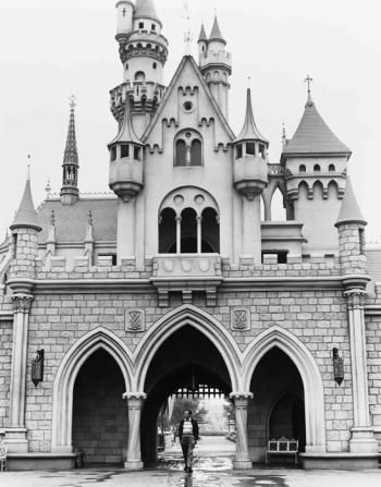 Disneyland 1955 Sleeping Beauty Castle Walt