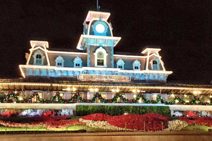 Mickey's-Very-Merry-Christmas-Party-Front