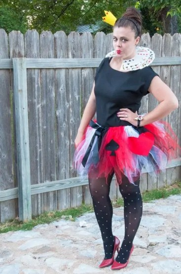 DIY-Queen-of-Hearts-Costume