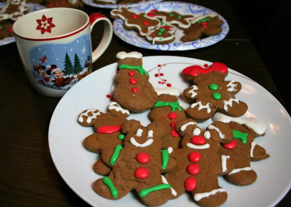 Mickey gingerbread cookies - Disney in your Day