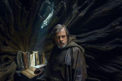 Star Wars: The Last Jedi - Disney in your Day