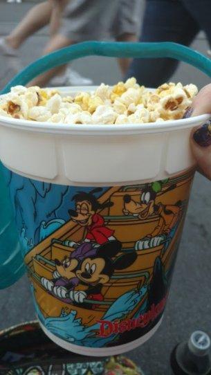snacks in Disneyland - Disney in your Day