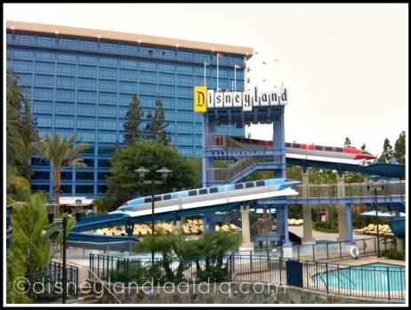 Disneyland-Hotel-tobogan