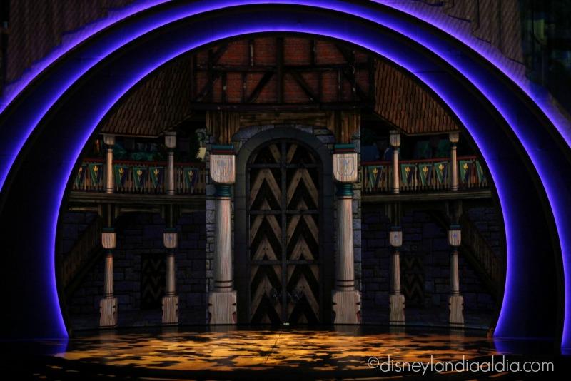 Escenario de Frozen - Live at the Hyperion - disneylandiaaldia.com