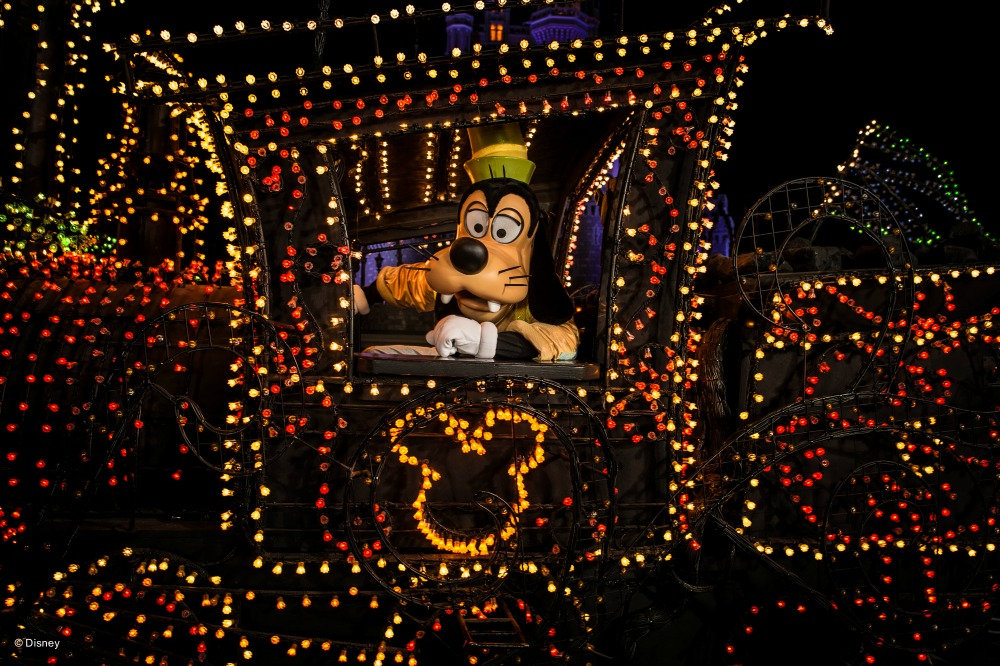 el-gran-regreso-del-desfile-main-street-electrical-parade