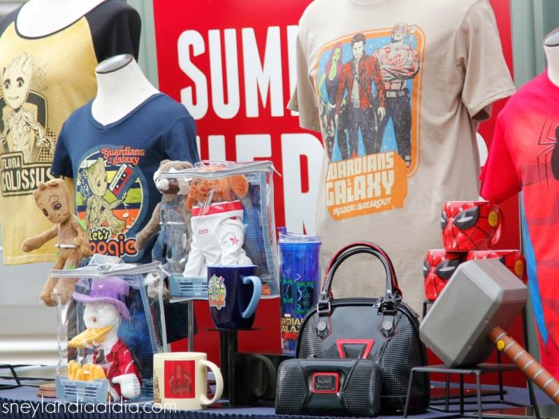 Mercancía de verano de superhéroes en Disney California Adventure - disneylandiaaldia.com