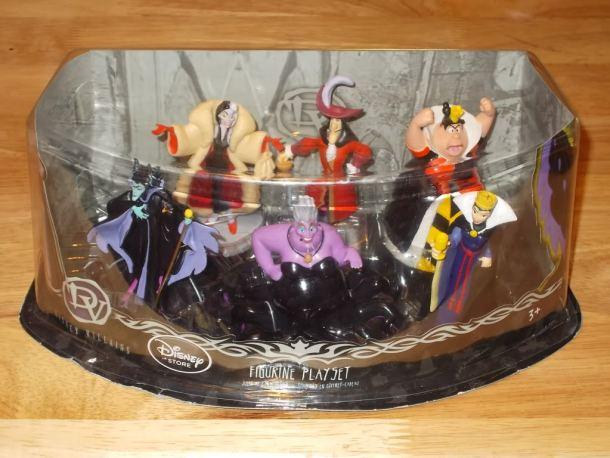 Villain cake figures