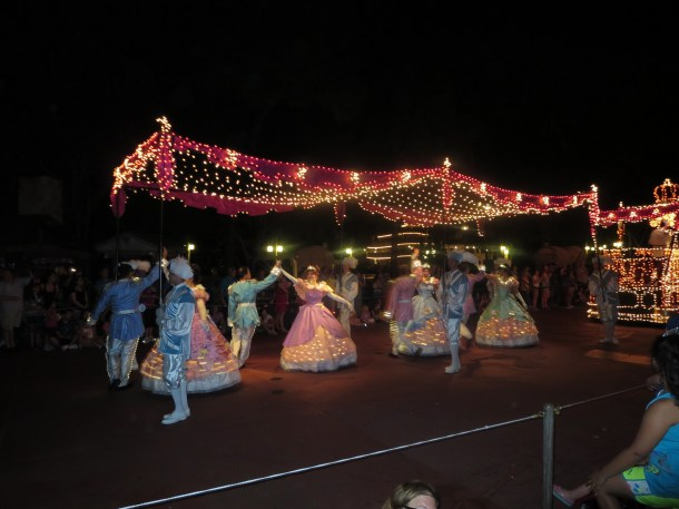 Parade - Cinderella's Court