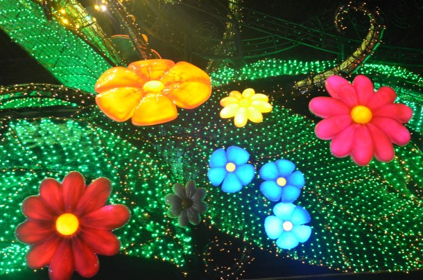 Pretty flowers in Tink's float