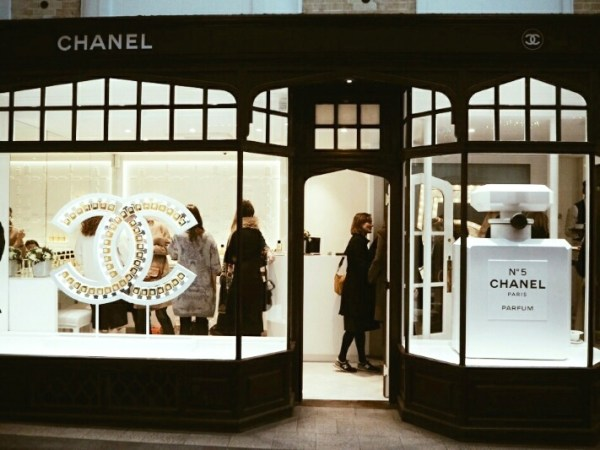 1 Chanel-Burlington-arcade-beauty-boutique-disneyrollergirl